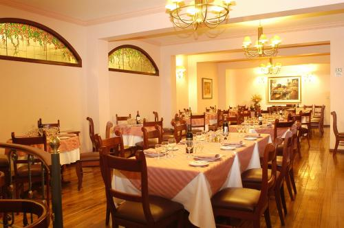 El Cabildo Hotel Photo