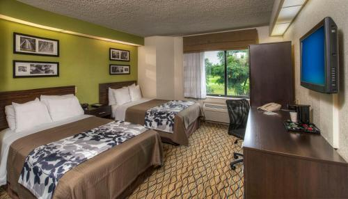 Sleep Inn Miami Airport Photo