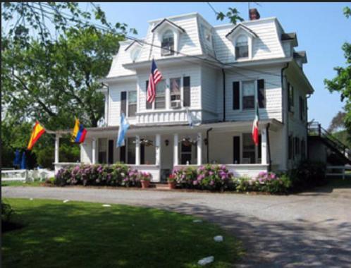 The Grassmere Inn Photo