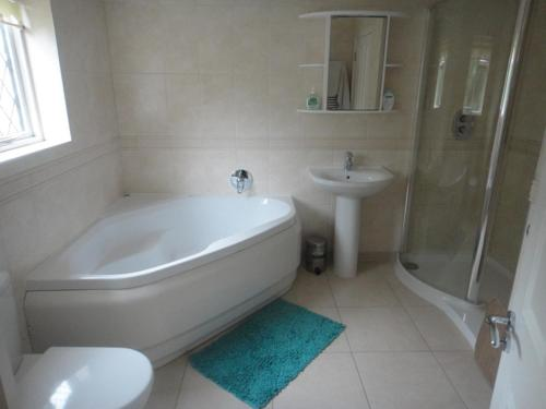 The Oaks Guest House photo 33