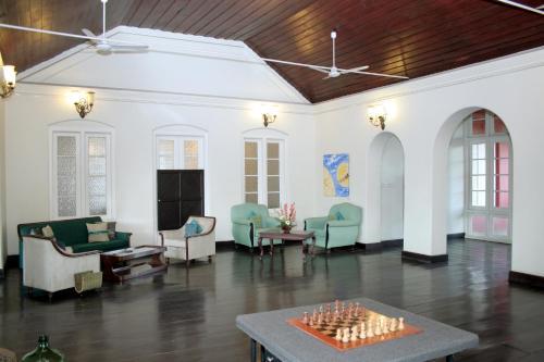 Tower Road, Cochin 682001, Kerala, India.