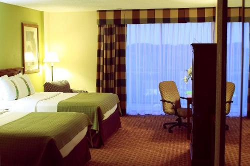 Garden Plaza Hotel - Saddle Brook, NJ 07663