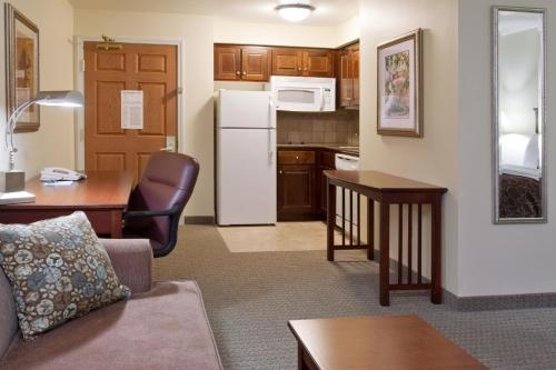 Staybridge Suites Akron-Stow-Cuyahoga Falls Photo