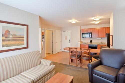 Candlewood Suites Oak Harbor - Oak Harbor, WA 98277