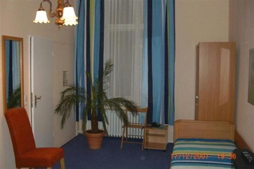 Hotel-Pension Rheingold am Kurfürstendamm photo 17