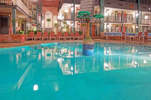 Holiday Inn Perrysburg French Quarter Hotel