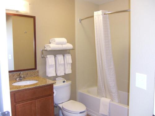 Candlewood Suites Loveland - Loveland, CO 80538
