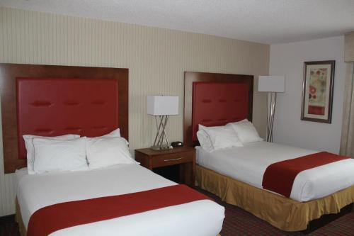 Holiday Inn Express Hotel And Suites Milford - Milford, CT 06460