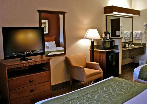 Comfort Suites Redmond Airport
