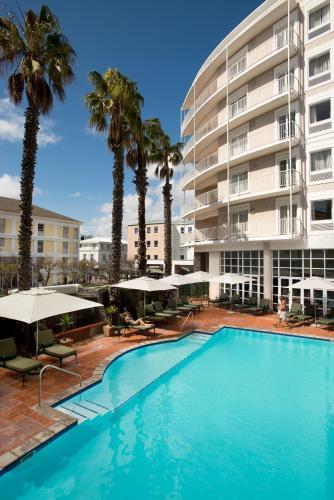 The Commodore Hotel Photo