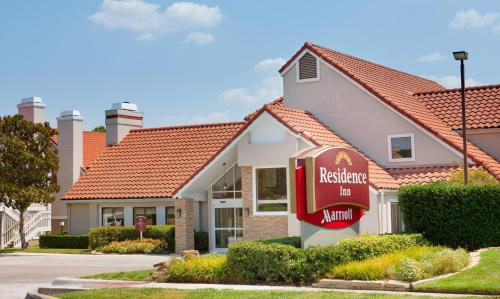 Residence Inn Dallas Las Colinas Photo