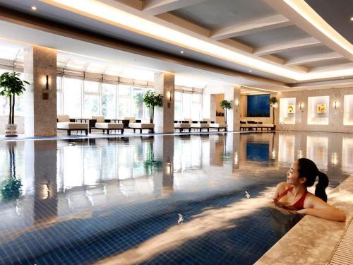 V-Continent Wuzhou Hotel photo 2