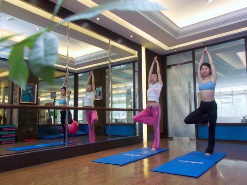 V-Continent Wuzhou Hotel photo 3