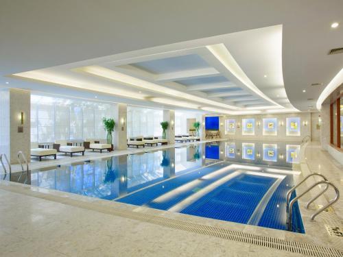 V-Continent Wuzhou Hotel photo 5