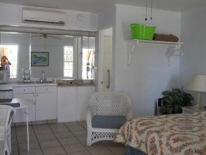Queens Gate Resort - Bradenton Beach, FL 34217