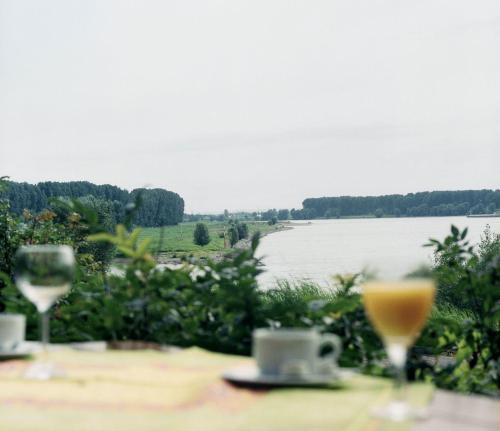 Hotel Rheinterrasse Benrath photo 2