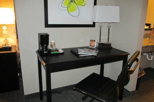 Boulders Inn And Suites - Milford/okoboji - Milford, IA 51351