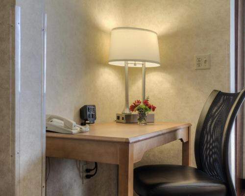 Comfort Suites Hanes Mall