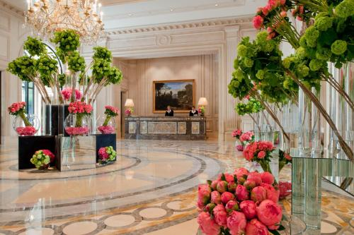 Four Seasons Hotel George V Paris photo 2