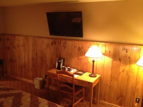 Reid Ridge Lodge - Blue Ridge, GA 30513