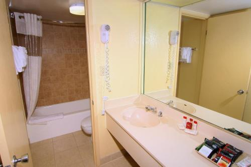 Ramada Kissimmee Gateway photo 17