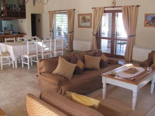 Querencia Lodge Lunlunta Photo