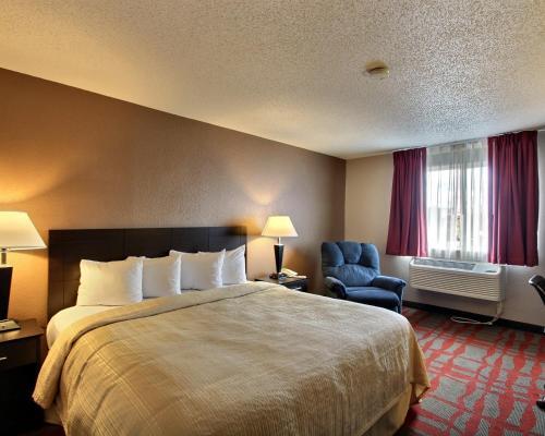 Quality Inn & Suites West Bend Photo