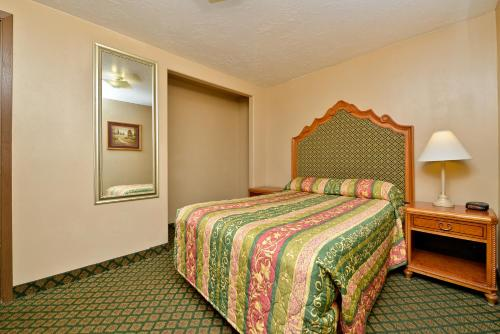 Rodeway Inn & Suites Riverton Photo