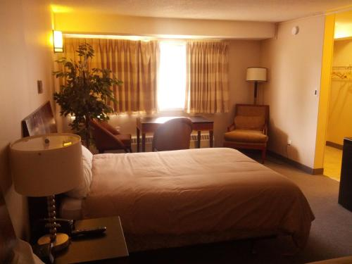 Travelodge By Wyndham Swift Current - Swift Current, SK S9H 3X6