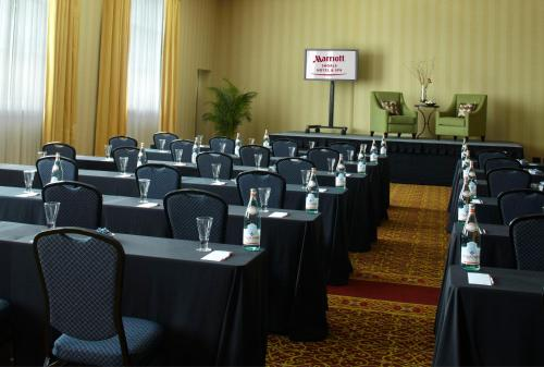 Marriott Shoals Hotel And Spa - Florence, AL 35630