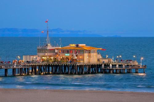 Wyndham Santa Monica At The Pier photo 4