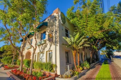 Santa Paula Inn Photo