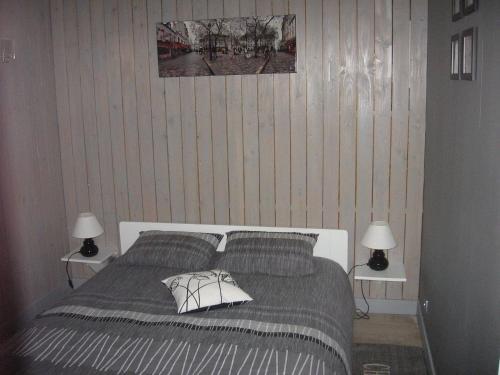 le loft chambre d 39 h tes 108 faubourg des planches route de rouen 80100 abbeville adresse. Black Bedroom Furniture Sets. Home Design Ideas