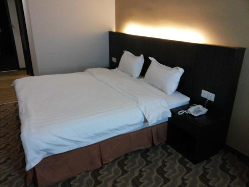 Eminent Hotel photo 2