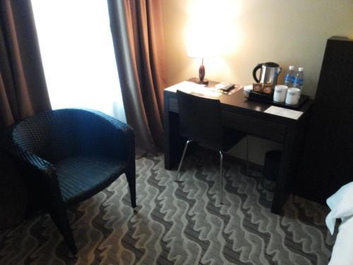 Eminent Hotel photo 9