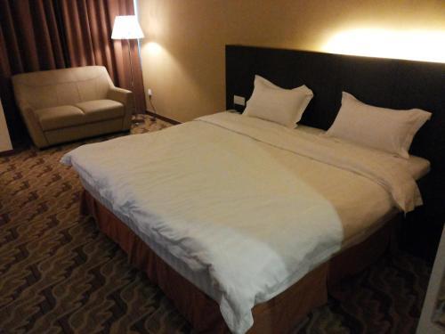 Eminent Hotel photo 15