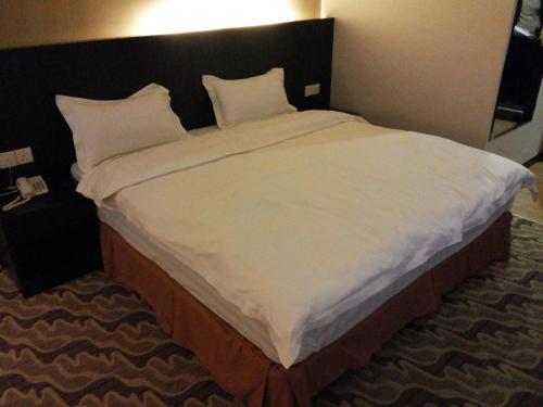 Eminent Hotel photo 17