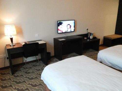 Eminent Hotel photo 24