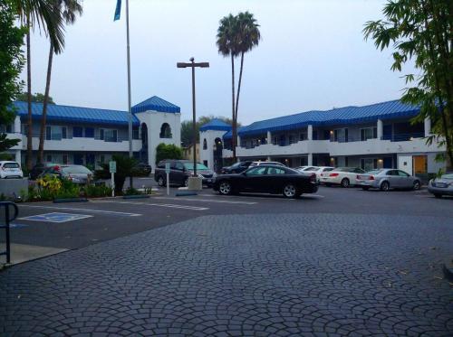 Hotel Current Photo