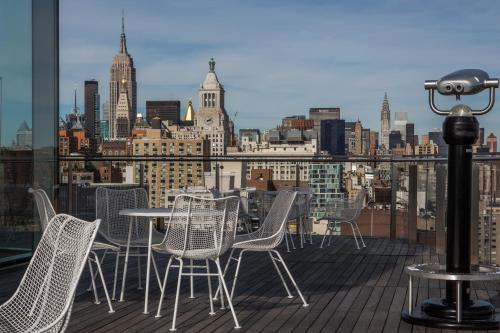 25 Cooper Square, New York, NY 10003, United States.