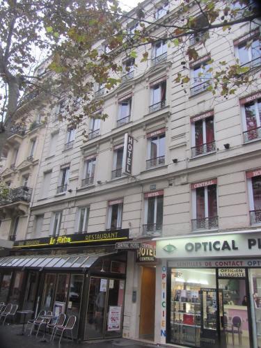 Central Hotel Paris  Boulevard Voltaire