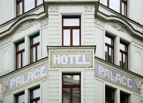 Panská 897/12, 111 21 Prague, Czech Republic.