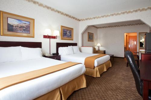 Holiday Inn Express Hotel & Suites Hiawassee - Hiawassee, GA 30546