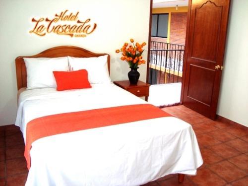 Hotel La Cascada Photo