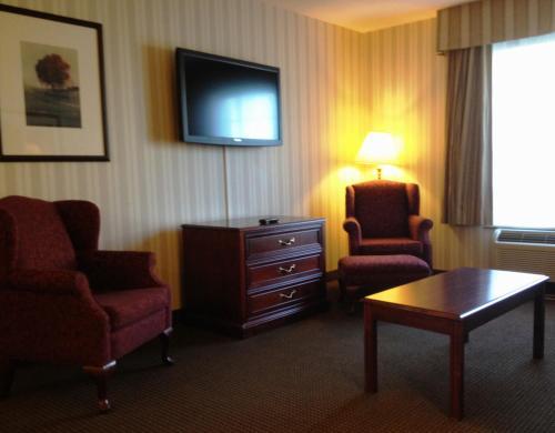 Quality Hotel & Suites Woodstock - Woodstock, ON N4V IE5
