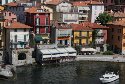 Albergo milano hotel review lake como italy travel for Hotel bernina milano
