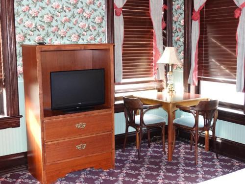 Iron Horse Inn - Deadwood - Deadwood, SD 57732