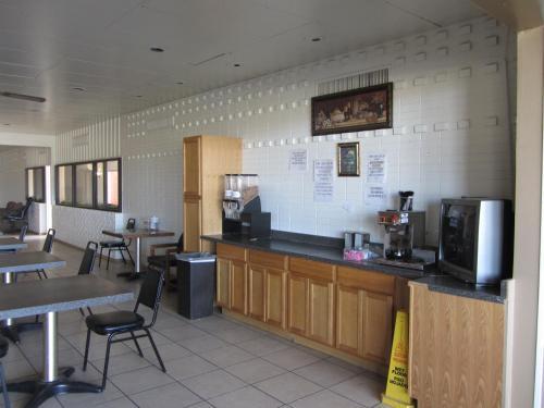 Frontier Inn Photo