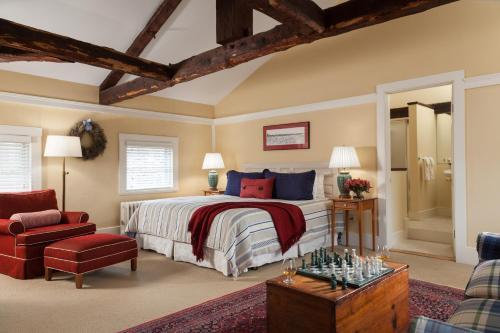 Harbor Light Inn Photo