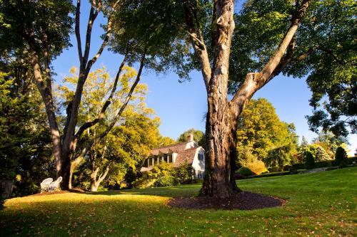 The Mayflower Grace - Washington, CT 06793